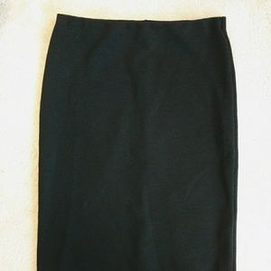 H&M black ribbed stretch midi pencil skirt